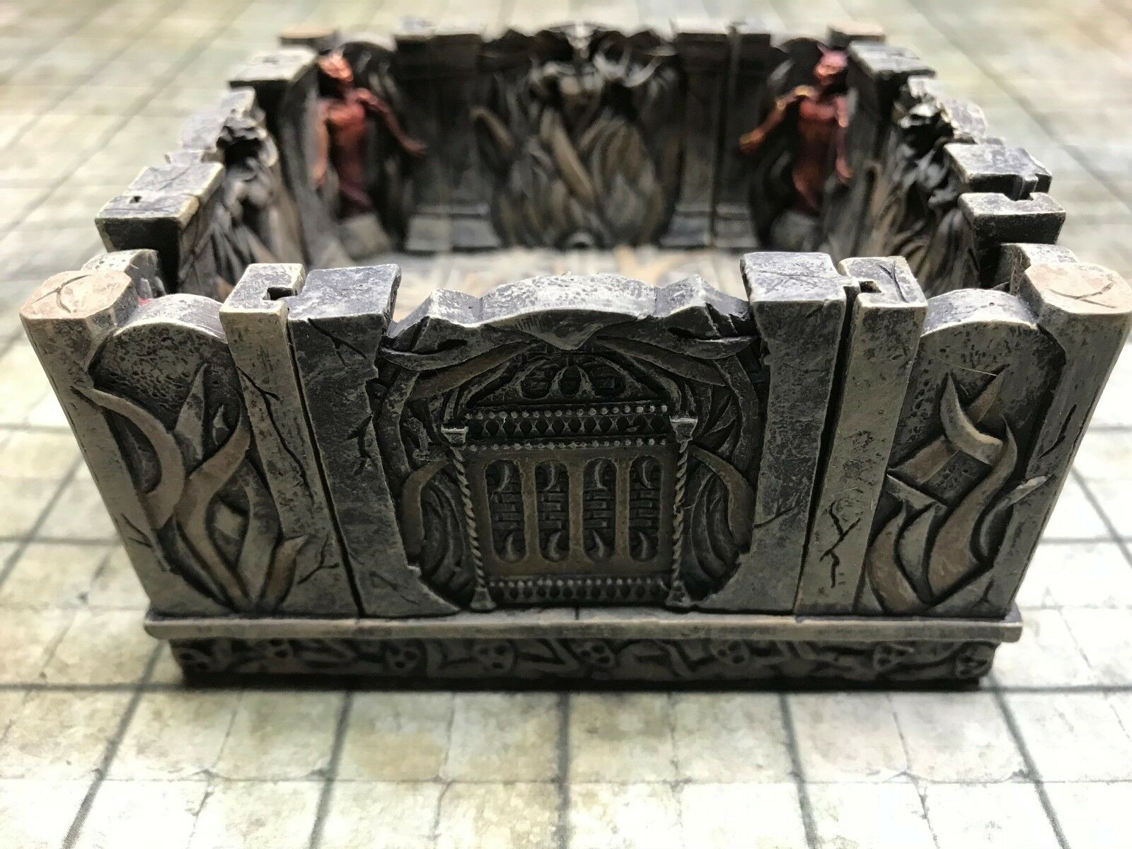 NEW Dwarven Forge Painted Resin Den of Evil 4 x 4 Intersection w  4 inserts D&D