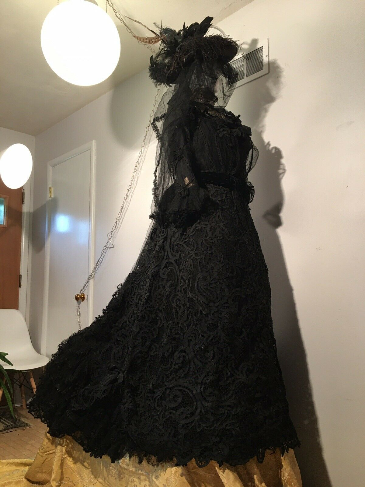 ANTIQUE 19th Victorian LACE MOURNING BUSTLE DRESS… - image 4
