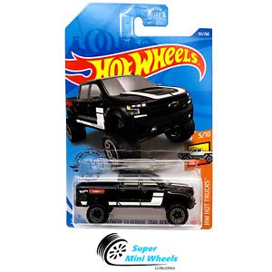 Hot Wheels 2020 #151 /'19 Chevy Silverado Trail Boss LT negro