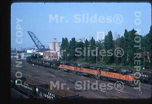 Original-Slide-MILW-Milwaukee-Road-GP40-2070-amp-2-Action-On-EL-Cleveland-OH-1975