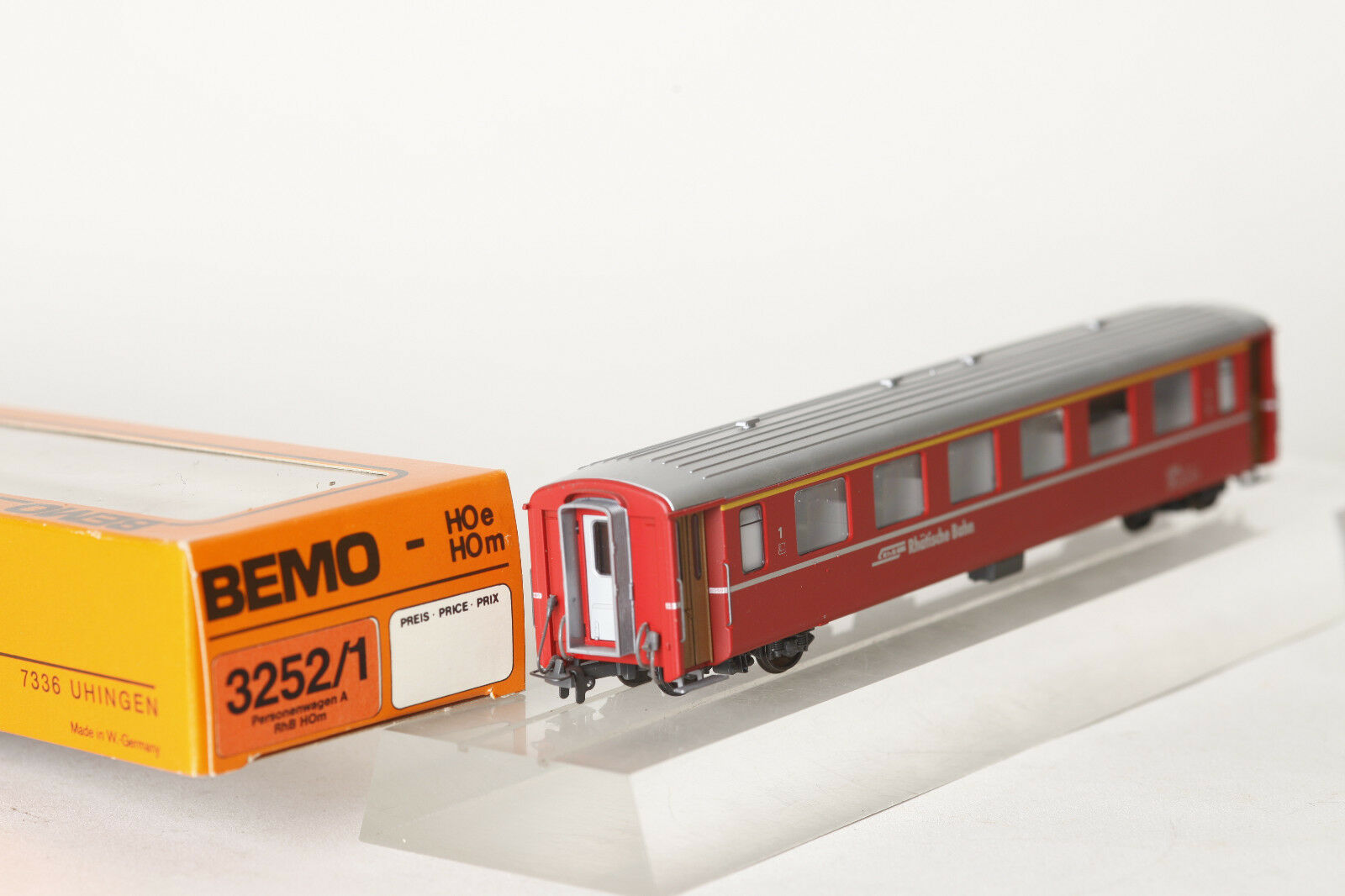 Bemo H0m 3252 128 Personenwagen RhB Rhätische Bahn A 1228  1.Klasse rot (72092)