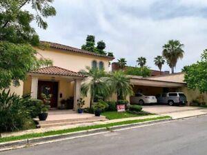 Casa en Venta en Valle Alto, Monterrey. - 7649