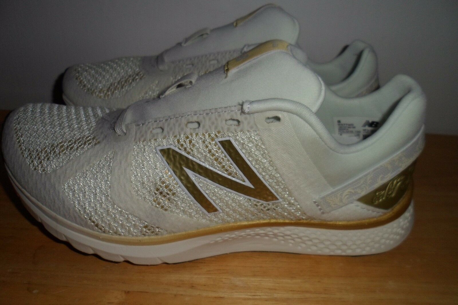 SOLD SOLD SOLD OUT NEW BALANCE BELLE OF THE BALL Disney WX77WD donna 5 B MINT CONDITION e6719a
