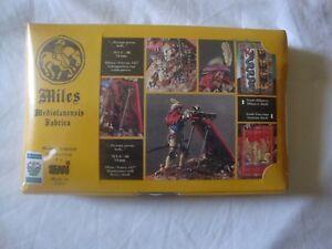 Figurine Kit 54mm.   Emi   .   miles  Archevêque 1427.