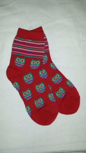 Girl/'s Size 7-8.5 Bright Red Crew Socks with Colorful Bright Stripes And Owls