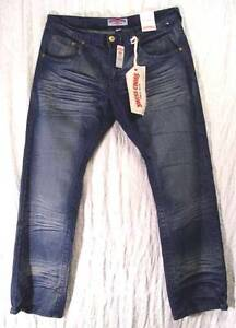 WHISKERED-Creased-RED-Winged-Heart-SWISS-CROSS-Distressed-LOW-RISE-Jeans-38-34