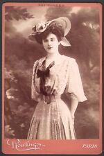 Henriette Harlay. Photographie Reutlinger #2. Vers 1895