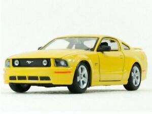 FORD Mustang GT - 2006 - yellow - Maisto 1:24