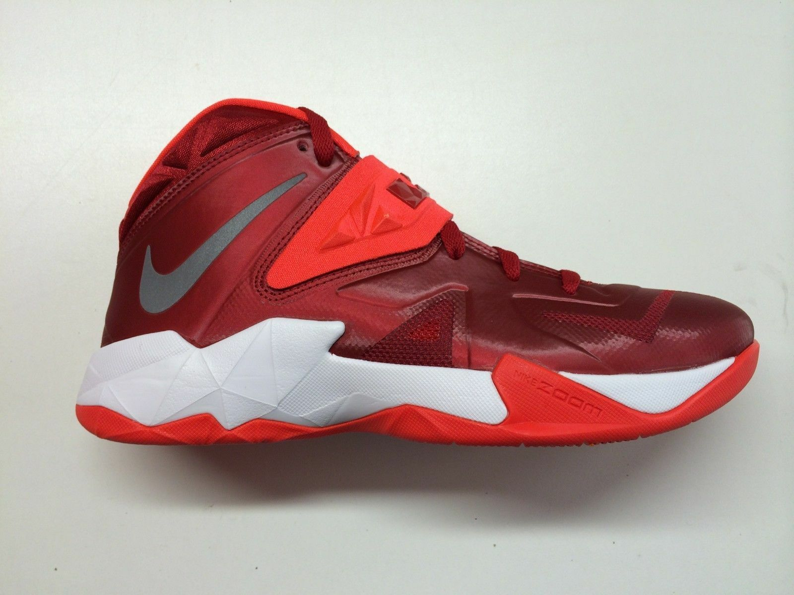 NEW Nike Men's Lebron Zoom Soldier VIl TB Red/ Silver 599263-600**
