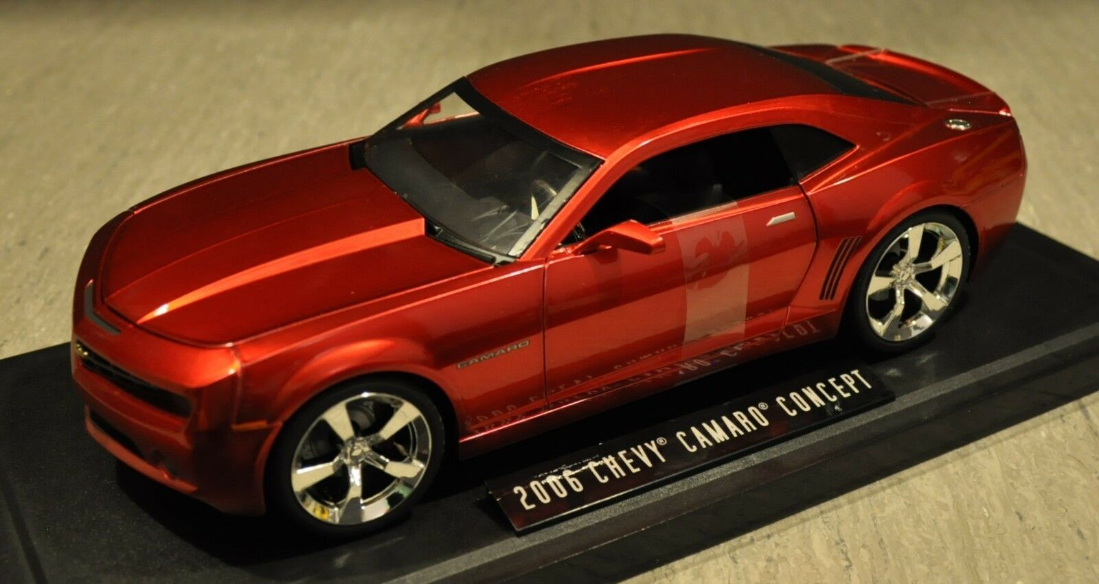 Jada chevy camaro konzept 2006 - feder - 1,18 - metallisch rot