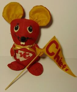 Old-Vintage-1970s-Kansas-City-Chiefs-NFL-Football-Mouse-Plush-Doll-with-Pennant