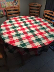Vintage Holiday Tablecloth Christmas Trees Red And Green Round 65 Diameter Ebay