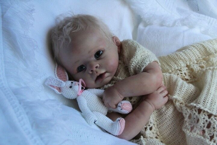 AMELIE with BODY DOLL KIT BLANK VINYL PARTS TO MAKE A REBORN BABY-NOT COMPLETED