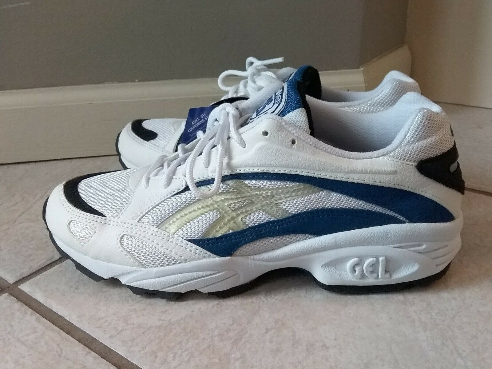 ASICS Mens Weiß Blau Running schuhe Größe 8 (NWT)