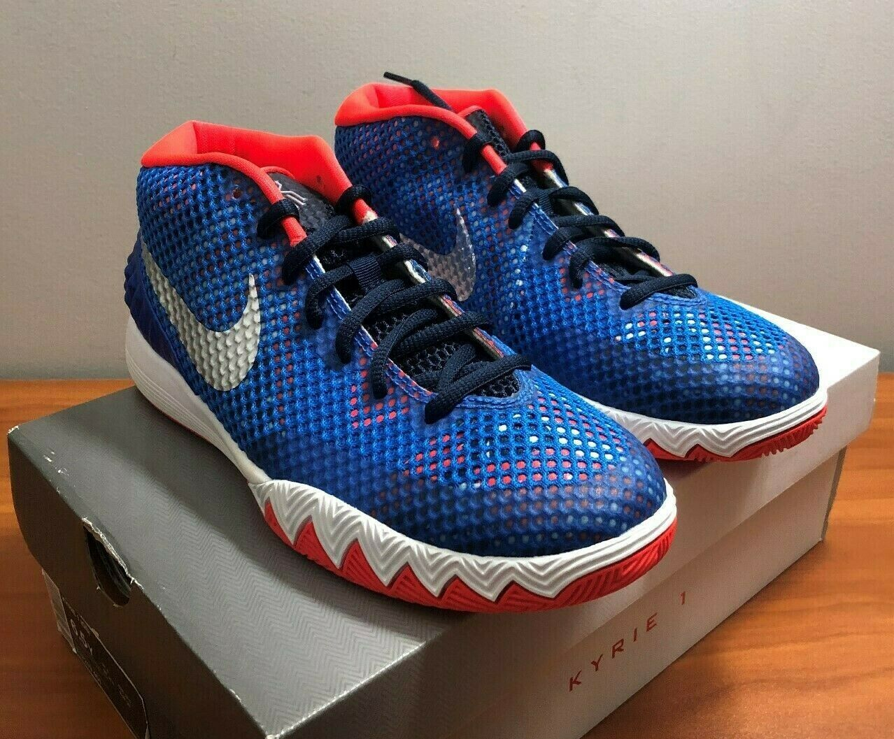NEW KIDS NIKE KYRIE 1 GS YOUTH SIZE 6.5