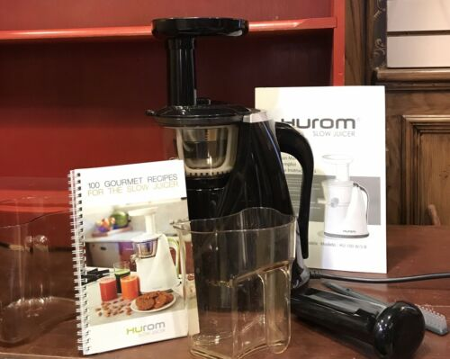 Hurom HU-100 Masticating Slow Juicer  2 containers & Recipe Bk EXC. Cond.Huron