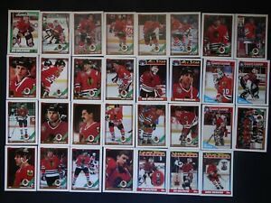 1991-92-Topps-Chicago-Blackhawks-Team-Set-of-31-Hockey-Cards