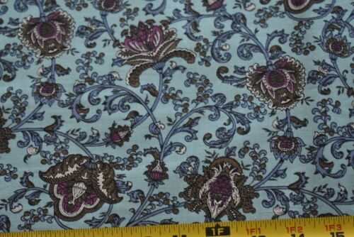 Brown Burgundy Blue Floral Quilt Cotton Vintage By 1//2 Yd RJR//Beyer N6397