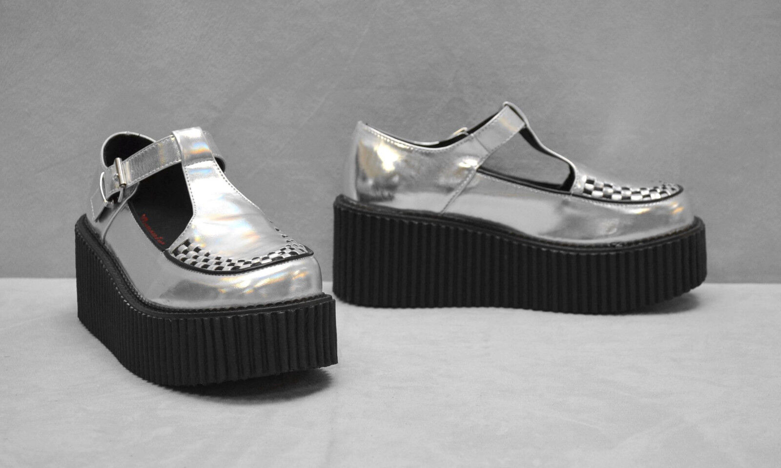 A8 NEW DEMONIA Creeper 214 argent Hologram T Strap Platform chaussures Taille US 8.5