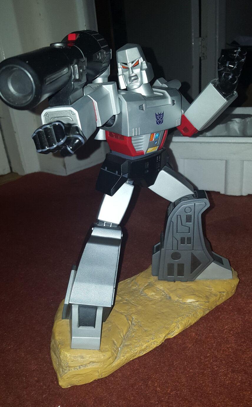 Hard Hero Megatron 12.5  Statue