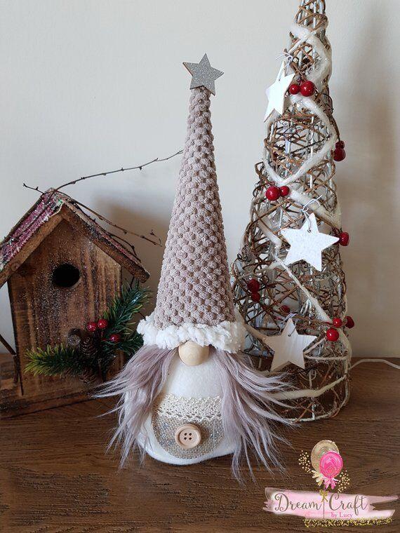Svedese Svedese Svedese TOMTE nisser Scandinavian GNOMO ALBERO DI NATALE SULLA SLITTA handmade in UK 5001e4