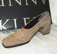 New $200 ANNE KLEIN Heels 6.5 MADE IN ITALY Taupe Suede Mid Block Heel High End