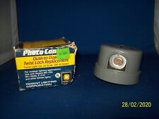 PHOTO CONTROL DUSK TO DAWN TWIST LOCK REPLACEMENT SL3120 REGENT LIGHTING CORP