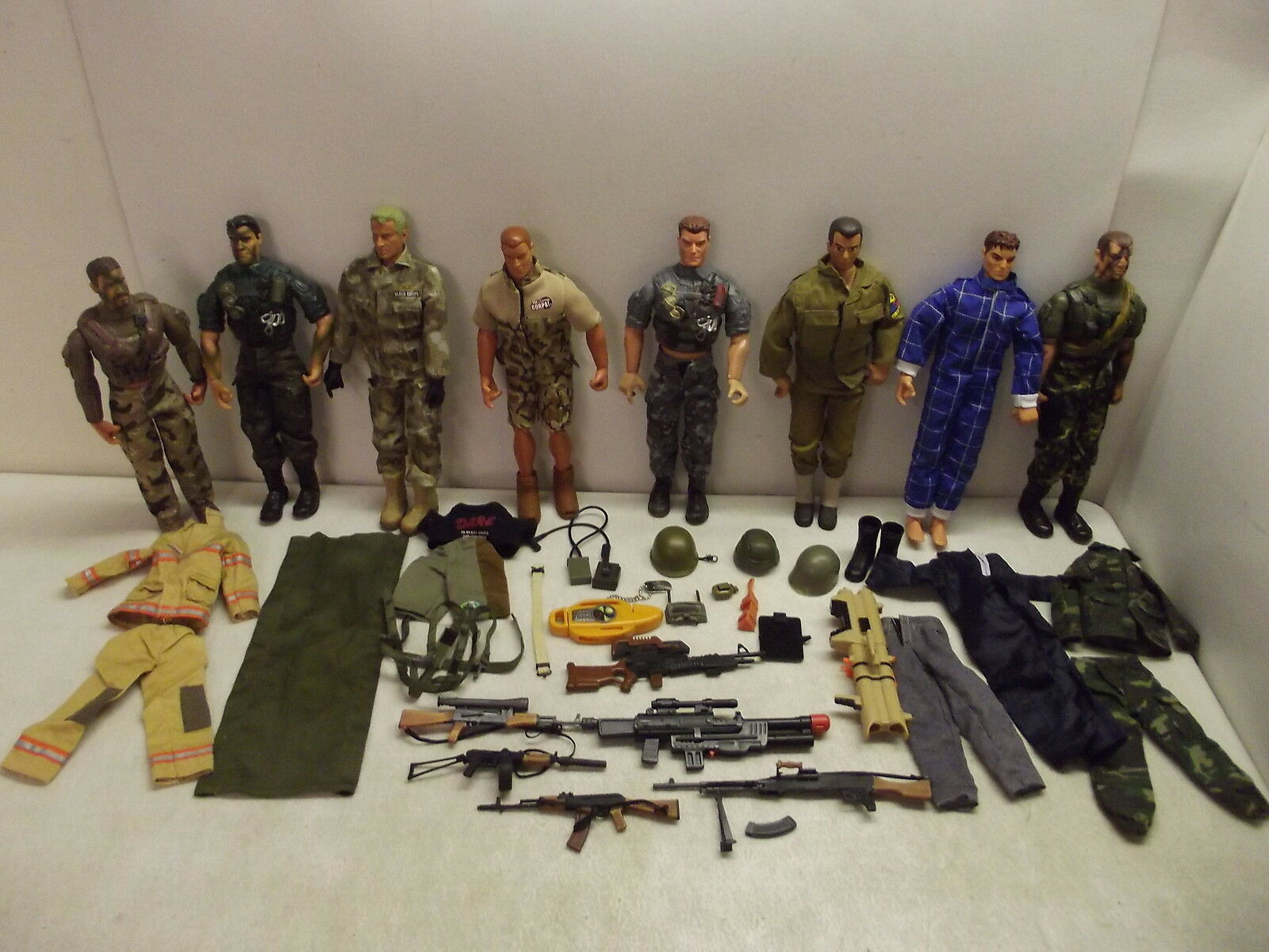 LANARD ULTRA CORPS 12  ACTION FIGURE LOT WITH ACCESSORIES