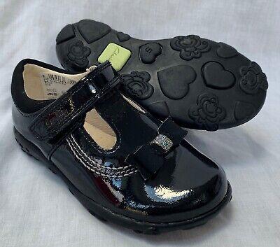 BNIB Clarks Girls Ella Glow Grey Patent Leather Lights First Shoes F Fitting