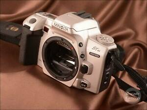 8624-Minolta-Maxxum-STsi-404-AF-Film-Camera-Body-inc-Manual-Excellent