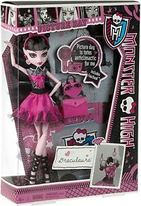 Monster-High-PICTURE-DAY-Draculaura-Doll-NEW-Original-High-School-Fearbook-NIB