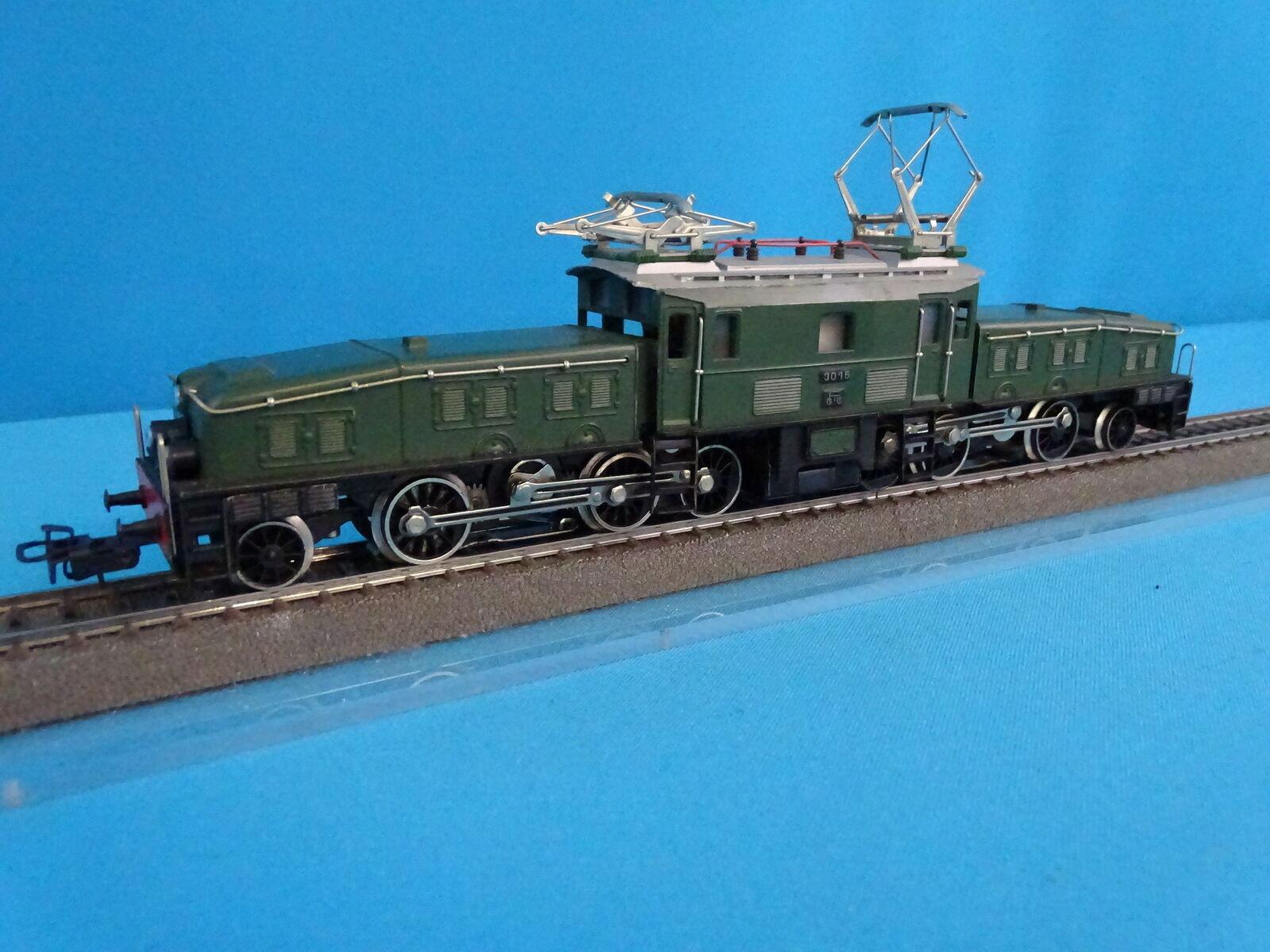 Marklin 3015 SBB CFF Electric Locomotive Br CE 6 8 Krokodil verde AS NEW