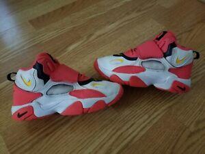 Nike Air Speed Turf Preschool Size 2y