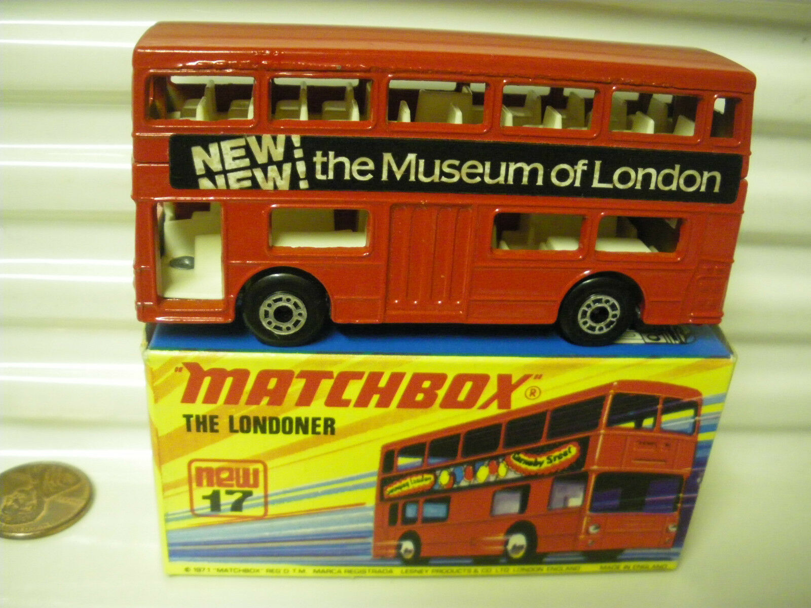 LESNEY MATCHBOX MB17B 1972 Museum of London Rouge le londonien Bus non peinte Base