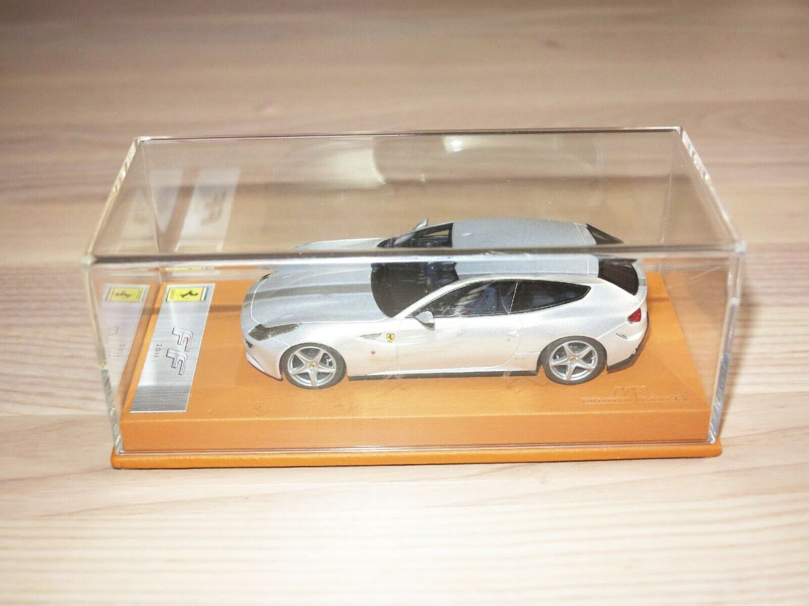 samling - Ferrari Ff 2011   1 43 in Mint