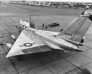 CONVAIR-B-58-HUSTLER-BEING-SERVICED-8x10-SILVER-HALIDE-PHOTO-PRINT