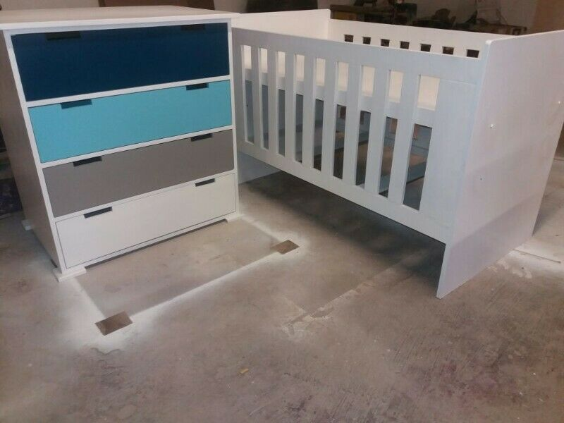 Square Line Baby Cot and Compactum WD 08 R4299,00