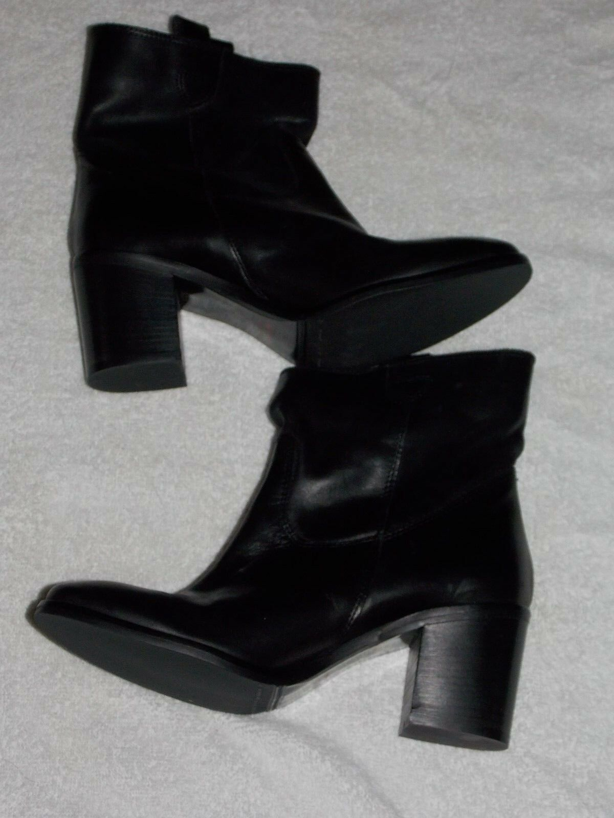 Charles David Slip On Black ANKLE BOOTS 8 For For For Women Used 43de0e