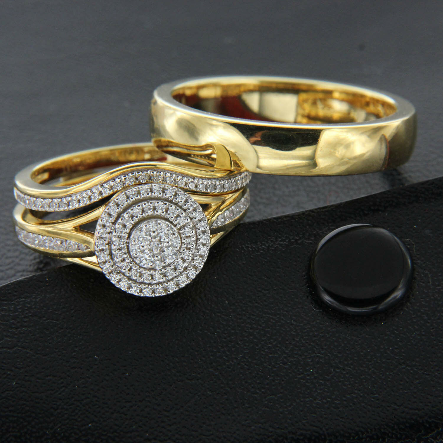 Real 10K Yellow gold His and Hers Set Wedding Rings Round Cut Diamond