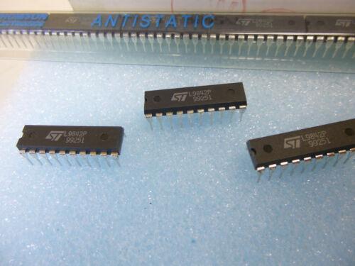 2 Stück //2 pieces L9842 OCTAL PARALLEL LOW SIDE DRIVER  for Relais//Lamps etc.NEW
