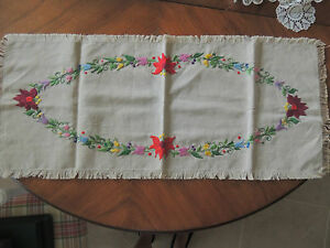 ANTIQUE LINEN MATYO HUNGARIAN FLORAL RUNNER HAND EMBROIDERY MAGNIFICENT BEIGE