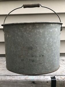 Old-Rare-Oval-Galvanized-Metal-Minnow-Bait-Bucket-w-Insert-and-Wood-Handle