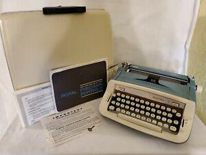 Vintage Royal Sabre Portable Manual Typewriter With Case & Key