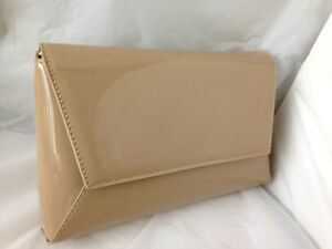 9c310f8e95 NEW MED CAMEL NUDE FAUX PATENT LEATHER EVENING DAY CLUTCH BAG ...