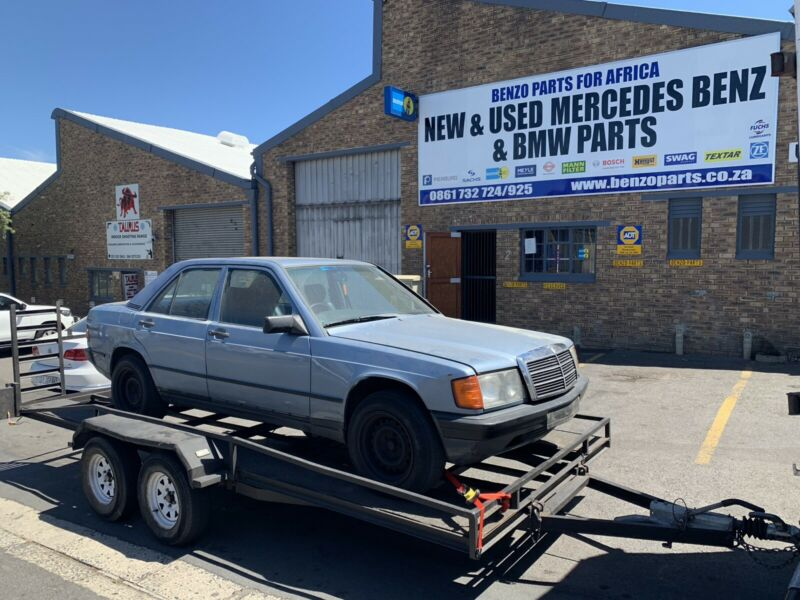 BENZO PARTS NOW STRIPPING: 1989 MERCEDES-BENZ 190E W201 RUNNER.