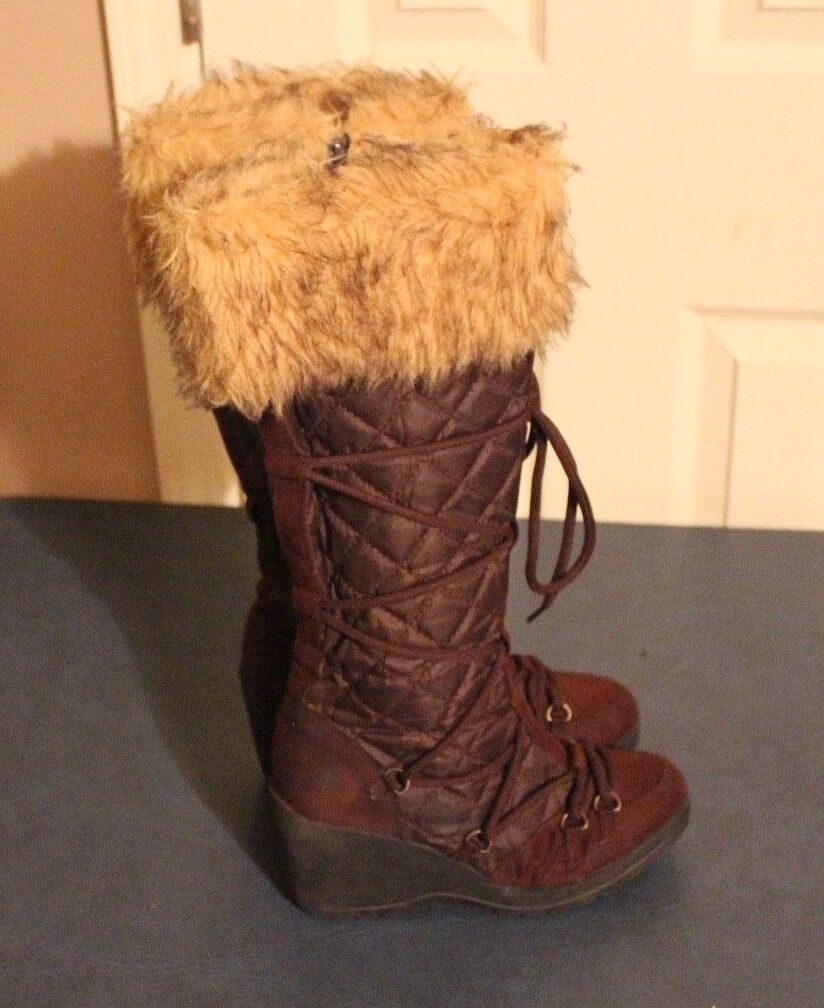 Delicious womens brown wedge heel faux fur trim winter boot size 8