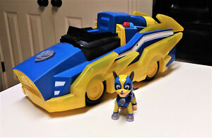 Paw Patrol, Mighty Pups Charged Up Chase Transforming Deluxe Vehicle & Chase