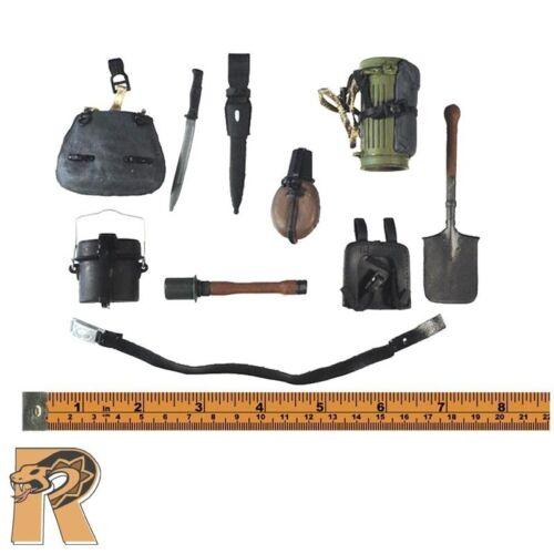 21 Toys Action Figures Belt Set w// Lots of Gear #1-1//6 Scale FJ Paratrooper