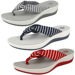 b3394bf15cf3 Image is loading Ladies-Clarks-Toe-Post-Cloudsteppers-Sandals-Arla-Glison-