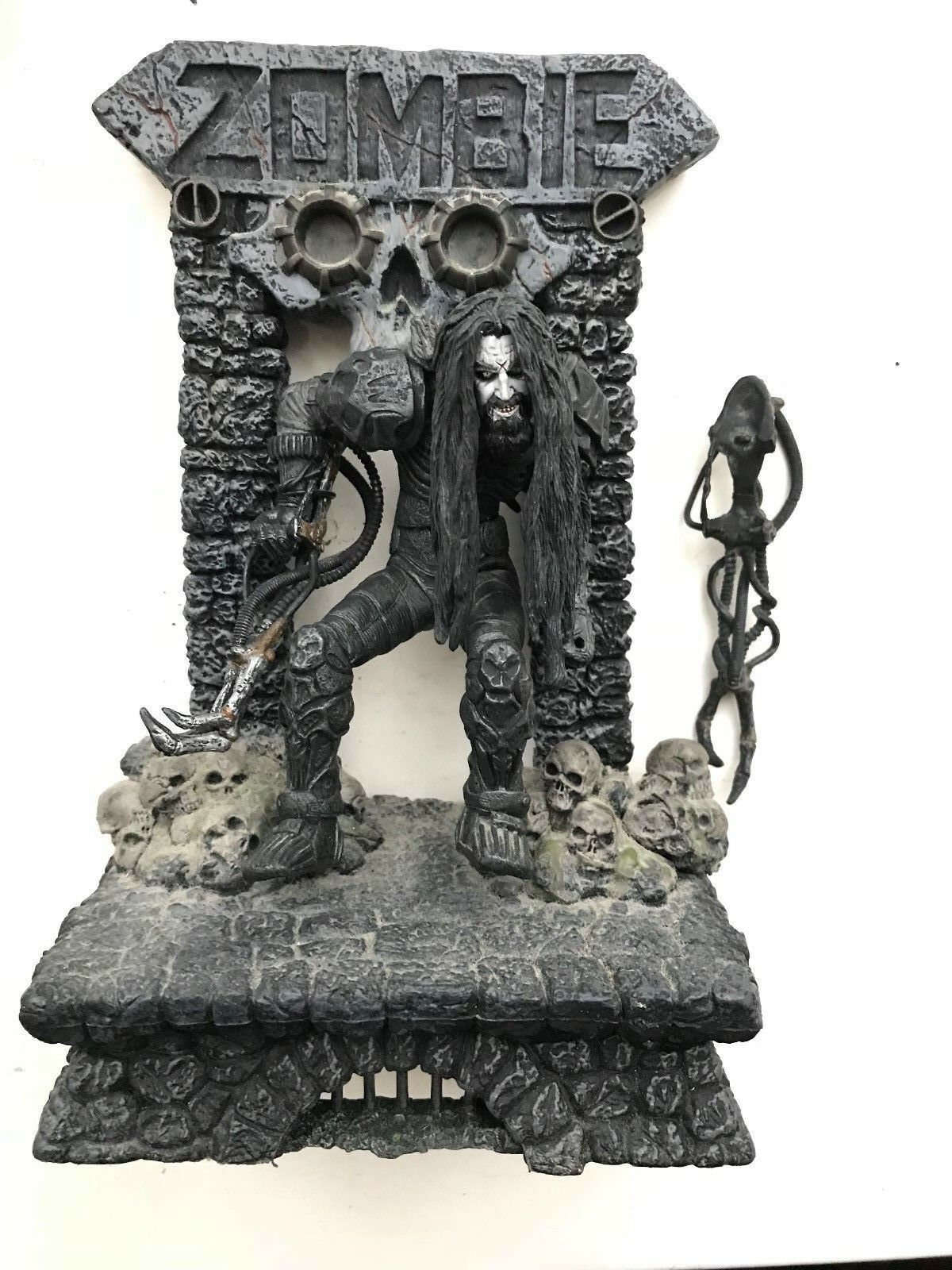MCFARLANE TOYS 2000 ROB ZOMBIE SUPER STAGE ACTION FIGURE